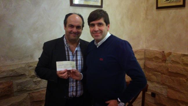ENTREGA A HDAD. STMO. CRISTO DE LOS REMEDIOS DEL TALÓN A BENEFICIO DEL COMEDOR SOCIAL